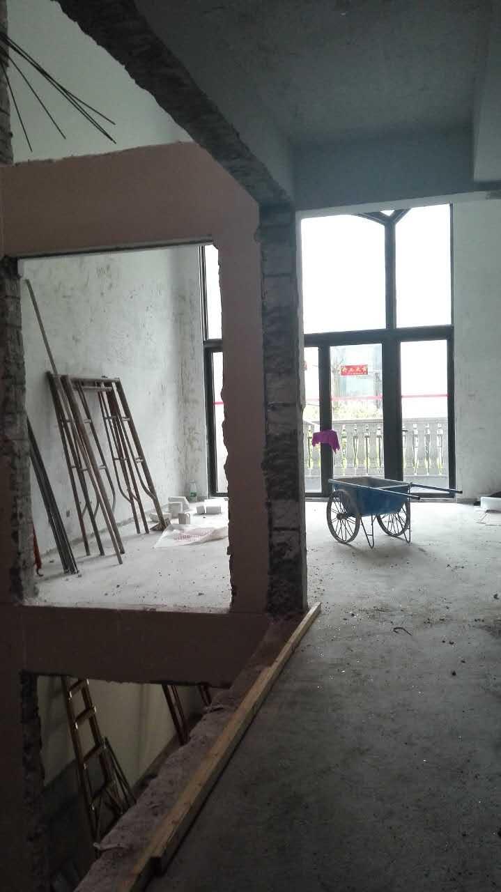 仁山智水现代别墅装修案例